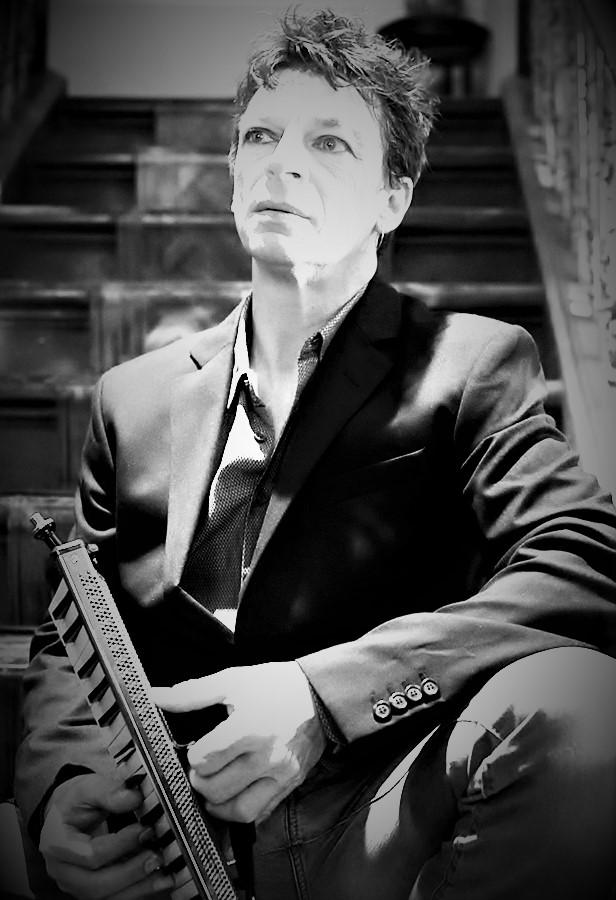 André Rossi - Auteur, Compositeur, Interprète du groupe 6LEXIC