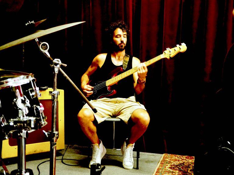 Laurent Guercy - bassiste du groupe 6LEXIC